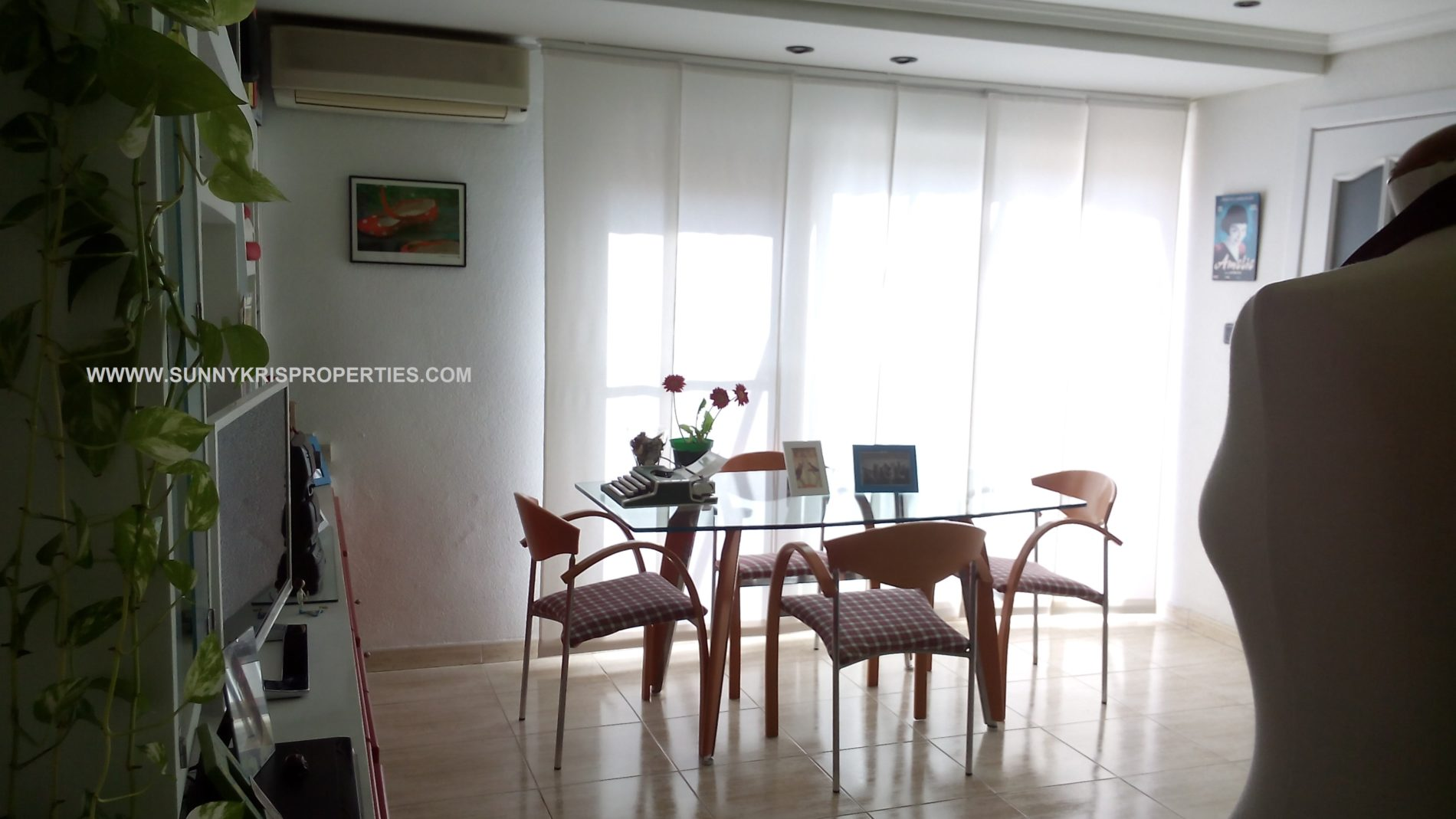 Penthouse with Amazing Terrace of 12m2 Close to the Centre of Alicante