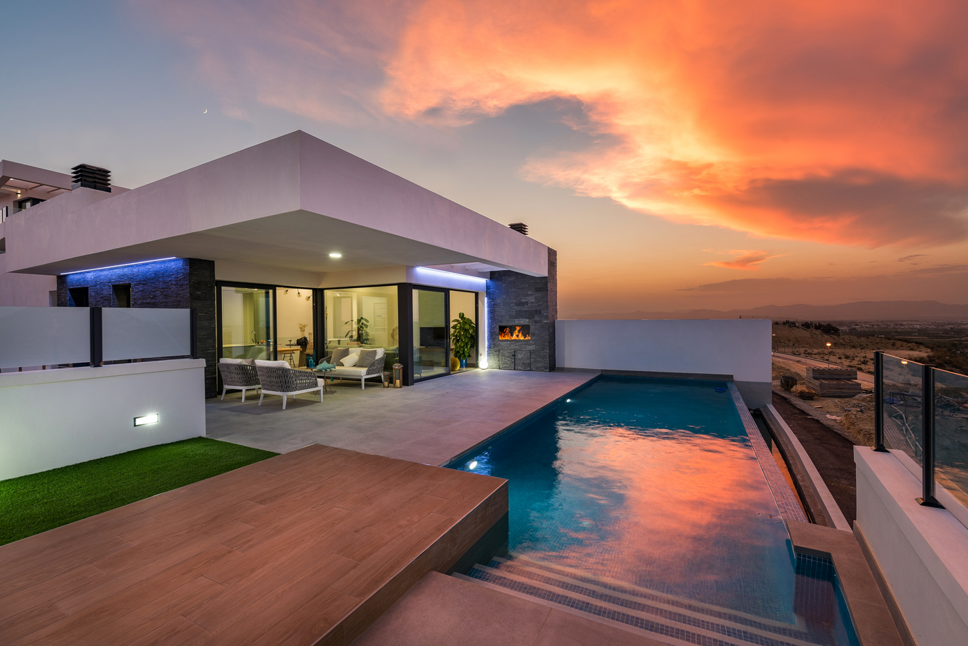 NEW BUILD Stunning 3 Bedroom Villa With Infinity Pool in Ciudad Quesada, Alicante